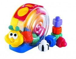 Fisher Price Šneček Bee-Bop Buildin Singin' Snail Pail 71922